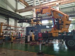工厂设备安装